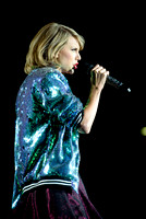 Taylor Swift Performs in Toronto